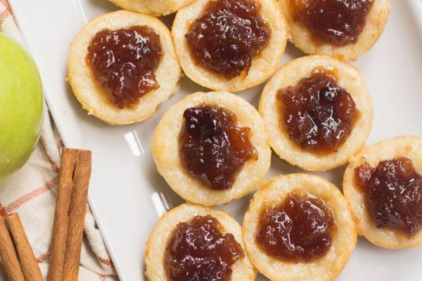 mini apple spice cheesecakes